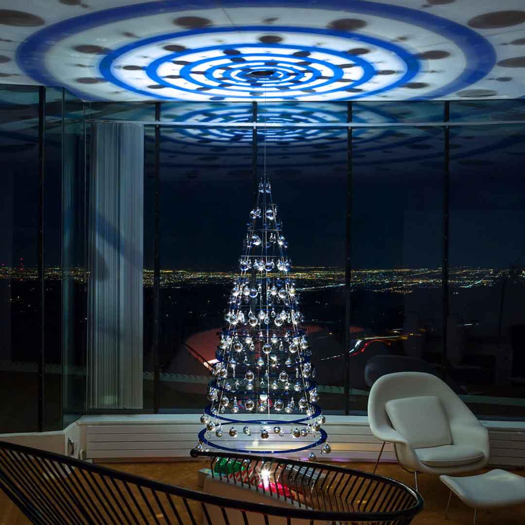Sophisticated Christmas Tree: Modern-Christmas-Tree-1080x1080